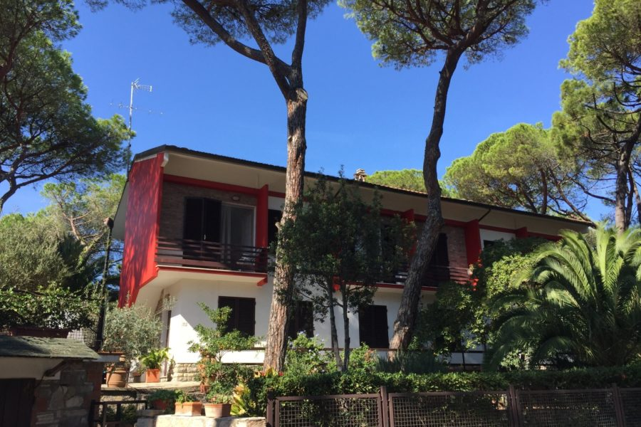 Rif. 09 Appartamento con giardino zona residenziale