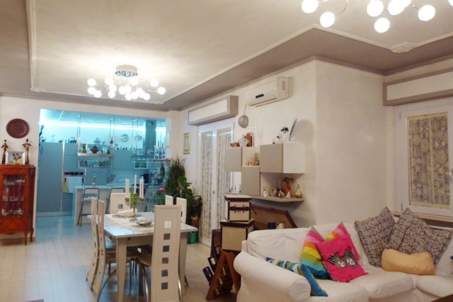 Ref. 27 Central area apartment